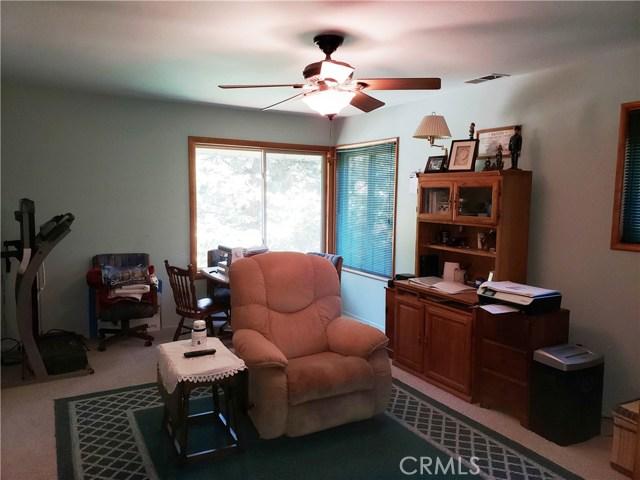 615 Pioneer Road, Lake Arrowhead CA: http://media.crmls.org/medias/ba6b738f-4819-40a0-8847-807f68696649.jpg
