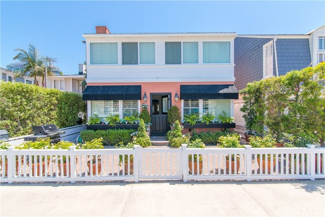 Single Family Home for Sale at 1107 Bayfront N Newport Beach, California 92662 United States