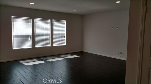 7548 Blue Oak Drive, Riverside CA: http://media.crmls.org/medias/ba716cf2-e1a3-444b-835a-482f7d791413.jpg