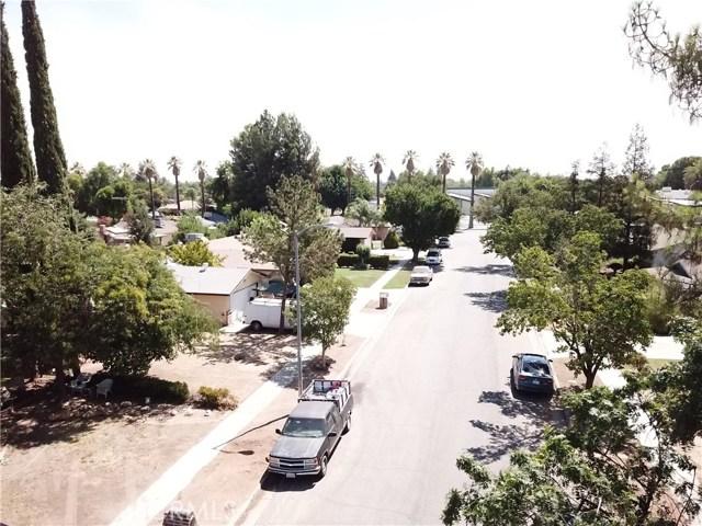 5172 E Iowa Avenue, Fresno CA: http://media.crmls.org/medias/ba7eed65-2404-4385-aab4-0b30caf77805.jpg