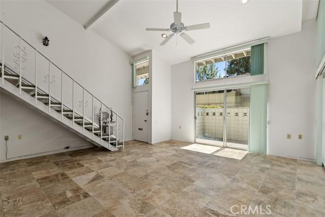342 Avenida Sevilla, Laguna Woods CA: http://media.crmls.org/medias/ba812ccd-b3f8-4f35-994c-68558fae71f0.jpg