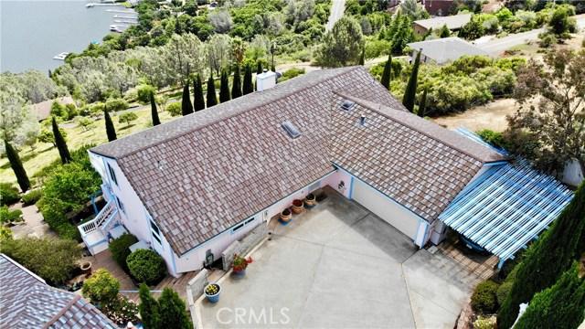 8242 N Heights Drive, Kelseyville CA: http://media.crmls.org/medias/ba8313a6-e52e-4fe5-b4a3-476635f3cd58.jpg