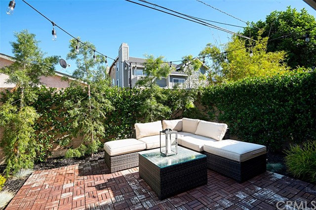2554 Elden Avenue, Costa Mesa CA: http://media.crmls.org/medias/ba85182a-22ee-490b-bf03-5190db1be897.jpg