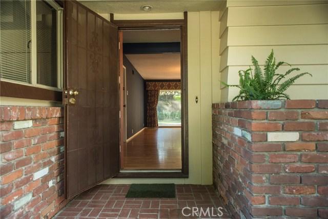 4211 Oak Hollow Road, Claremont CA: http://media.crmls.org/medias/ba8799b9-9bd6-4c4d-8906-ceca49a9dc5c.jpg