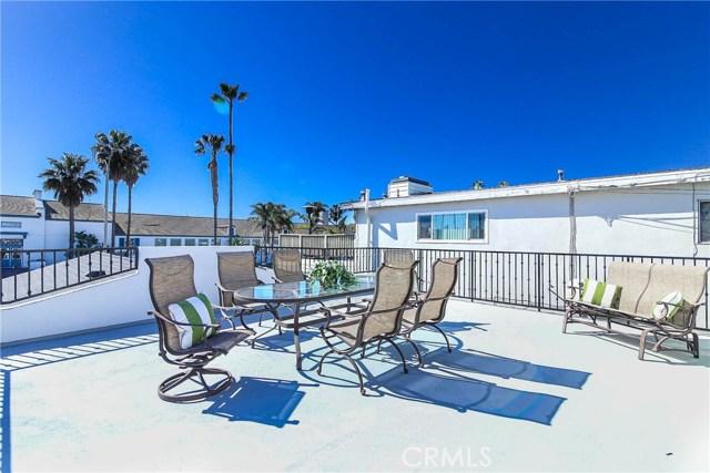 1320 W Balboa Boulevard, Newport Beach CA: http://media.crmls.org/medias/ba88f0b8-8978-4ed7-9fcc-62e9c74545f2.jpg