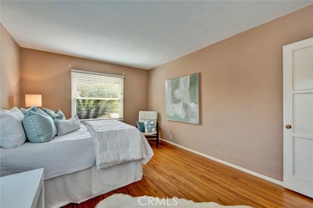 1606 N Rosewood Avenue, Santa Ana CA: http://media.crmls.org/medias/ba92a637-91ca-4e39-8b37-d4ac08b87530.jpg
