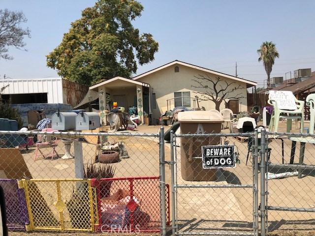 726 Crawford Street, Bakersfield CA: http://media.crmls.org/medias/ba982c46-50e4-4cd2-bf7f-dd3b00cc07c1.jpg