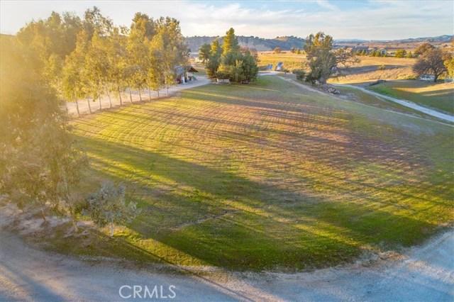 7201 Airport Road, Paso Robles CA: http://media.crmls.org/medias/ba9a93d9-635a-428d-b035-17d082ffc19d.jpg