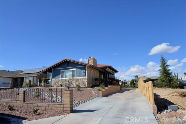 17850 Rancho Bonita, Victorville CA: http://media.crmls.org/medias/baaf8fcb-60df-48d8-b894-0459c2d35f1c.jpg