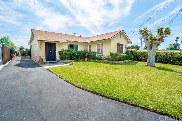 2084 Alta Pasa Drive, Altadena, California 91001, 3 Bedrooms Bedrooms, ,1 BathroomBathrooms,Residential,For Sale,Alta Pasa,MB19093907