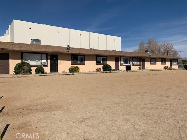 13401 Navajo Road, Apple Valley CA: http://media.crmls.org/medias/bab381b2-c62e-4c2f-bc32-b383ab267c43.jpg
