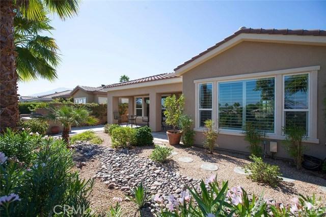 61282 Sapphire Lane, La Quinta CA: http://media.crmls.org/medias/bab449ef-e2d9-4ee4-add5-f20d696b2901.jpg