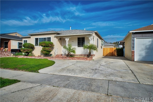 Single Family Home for Sale at 3617 Deerford Street Lakewood, California 90712 United States