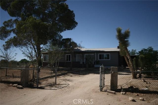 13465 CAMELLIA Road, Victorville CA: http://media.crmls.org/medias/bac218c7-b6d3-4a0d-b495-9216cb40870d.jpg