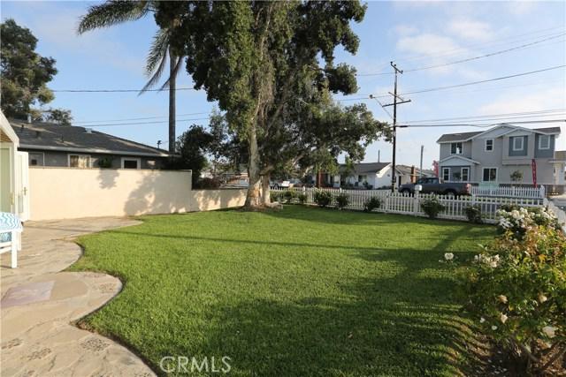 352 E 18th Street, Costa Mesa CA: http://media.crmls.org/medias/bac67987-c00e-4b76-8841-fed8d45f3a61.jpg