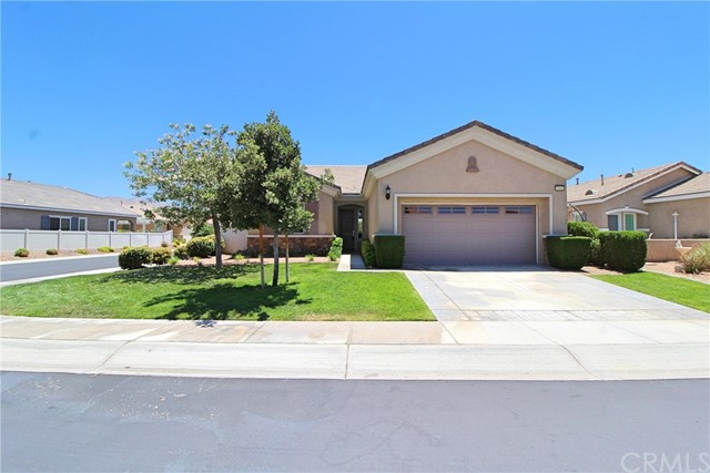 19441 Royal Oaks Road, Apple Valley CA: http://media.crmls.org/medias/bad9759c-d7cc-4ab1-ab00-a88e44d586d4.jpg