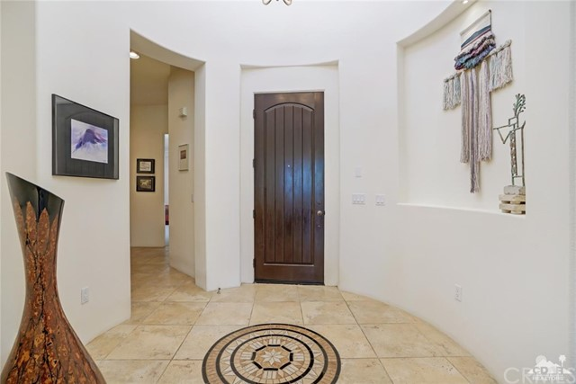 10 Via Haciendas, Rancho Mirage CA: http://media.crmls.org/medias/bae51502-1350-4bf2-aa18-3490d4844eb6.jpg