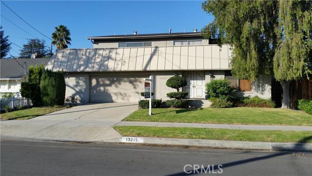 13215 Hartsook Street, Sherman Oaks CA 91423