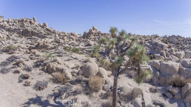 57557 Manzanita Drive, Yucca Valley CA: http://media.crmls.org/medias/baeb882c-eba3-485c-881b-496692502ddc.jpg