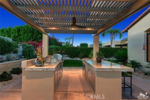 15 Villaggio Place, Rancho Mirage CA: http://media.crmls.org/medias/baedb553-119f-4a67-9a97-9e8e0245c083.jpg