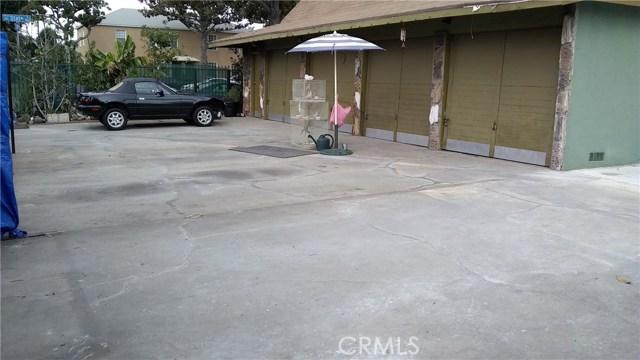 3205 Seminole Avenue, South Gate CA: http://media.crmls.org/medias/baf13ad2-0133-4a6c-9637-3ec49394a05c.jpg