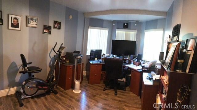 10752 Gerald Avenue, Granada Hills CA: http://media.crmls.org/medias/bb0367ef-2e04-4b20-a6e8-393374e8c544.jpg