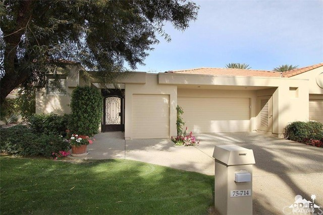 Photo of home for sale at 75714 Vista Del Rey, Indian Wells CA
