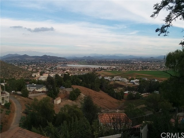 Single Family Home for Sale at 24490 Las Flores Drive Quail Valley, California 92587 United States