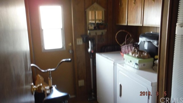1466 Bishop Drive, Hemet CA: http://media.crmls.org/medias/bb1b3090-c836-45e3-bba2-514ecbf42c12.jpg