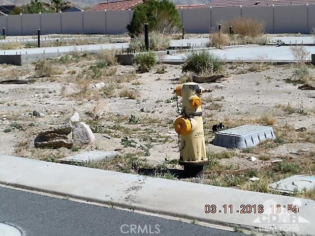 0 Bald Eagle Lane, Desert Hot Springs CA: http://media.crmls.org/medias/bb23772b-7222-4271-ba63-a44d5d88cecb.jpg