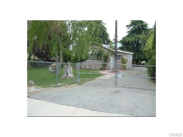 240 East Hoffer Street Banning CA  92220