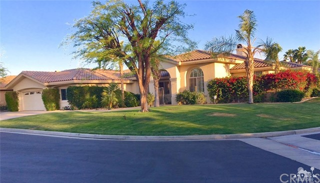5 Varsity Circle, Rancho Mirage CA: http://media.crmls.org/medias/bb33e09e-7df9-4afc-978f-3e6abc8359cf.jpg