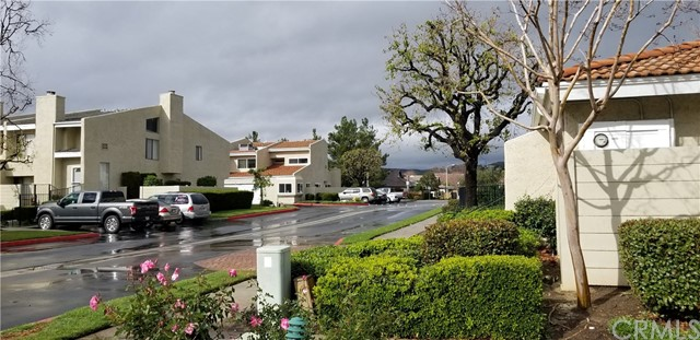 5686 Los Angeles E, Simi Valley CA: http://media.crmls.org/medias/bb40b0a1-a4c9-4973-b3af-6488af7c6cc7.jpg