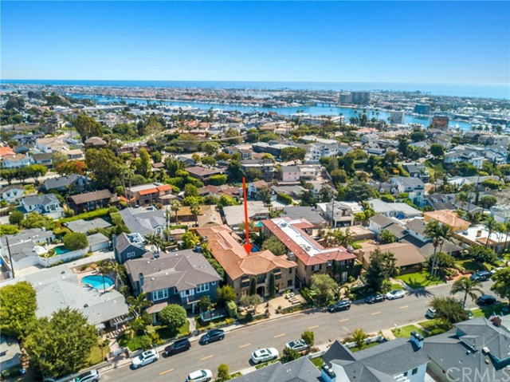 416 Holmwood Drive, Newport Beach, California 92663, 5 Bedrooms Bedrooms, ,5 BathroomsBathrooms,Residential Purchase,For Sale,Holmwood,NP21201959