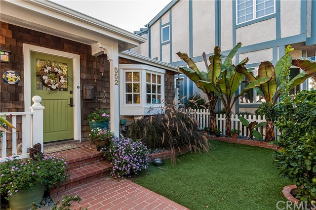 552 3rd Street  Manhattan Beach CA 90266