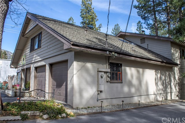 Additional photo for property listing at 54141  Pine Crest Avenue 54141  Pine Crest Avenue Idyllwild, California 92549 United States