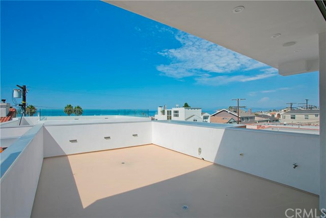 Additional photo for property listing at Monterey Monterey Hermosa Beach, California 90254 United States