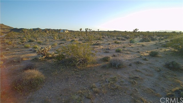 Additional photo for property listing at 3724 Del Lori Lane  Joshua Tree, California 92252 United States