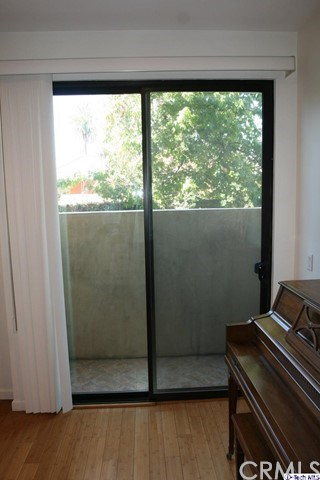 871 Crenshaw Bl, Los Angeles, CA 90005 Photo 13
