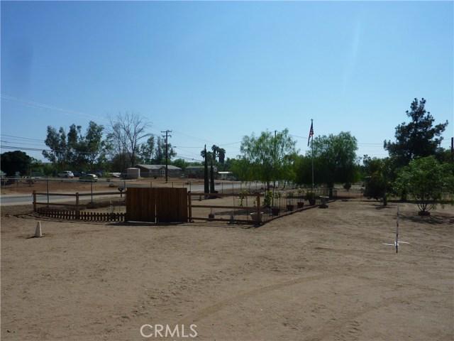 20795 Santa Rosa Mine Road, Perris CA: http://media.crmls.org/medias/bc09cc38-8c50-4e7c-b8d7-3afafcf6210c.jpg