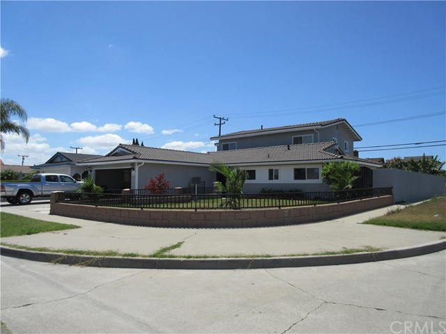Single Family Home for Sale at 9142 Stoneridge St Westminster, California 92683 United States