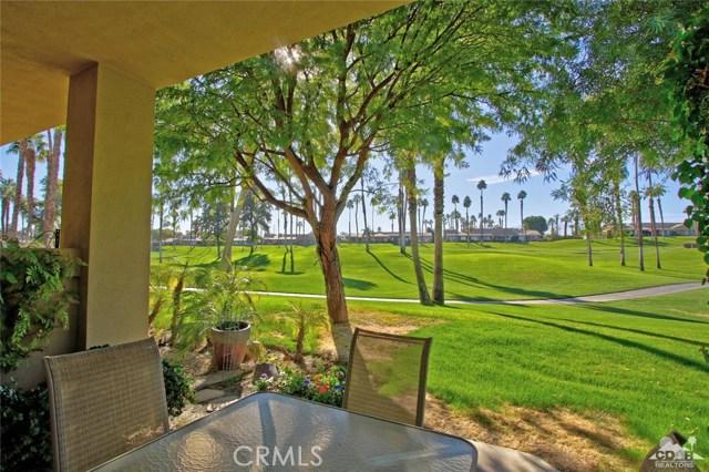 76235 Poppy Lane, Palm Desert CA: http://media.crmls.org/medias/bc0ce0de-9d53-4c80-889b-2b0ac0dda1de.jpg