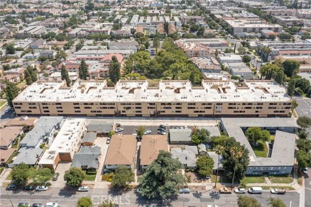 444 Piedmont Avenue, Glendale CA: http://media.crmls.org/medias/bc1634db-a414-4150-af7e-b39d7f6adca3.jpg