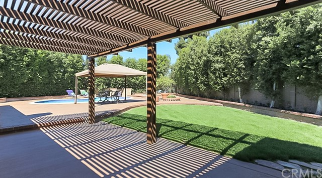 9961 Bond Circle, Huntington Beach CA: http://media.crmls.org/medias/bc1c52f2-99c2-41c4-be21-72b1e284bff9.jpg