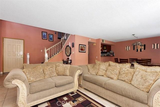 23476 Woodlander Way, Moreno Valley CA: http://media.crmls.org/medias/bc218b67-1b31-4b13-b4a5-1f360417a523.jpg