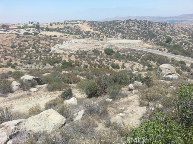 23447 Sky Mesa Road, Juniper Flats CA: http://media.crmls.org/medias/bc2905ba-1142-4810-aed0-e21df000bc11.jpg