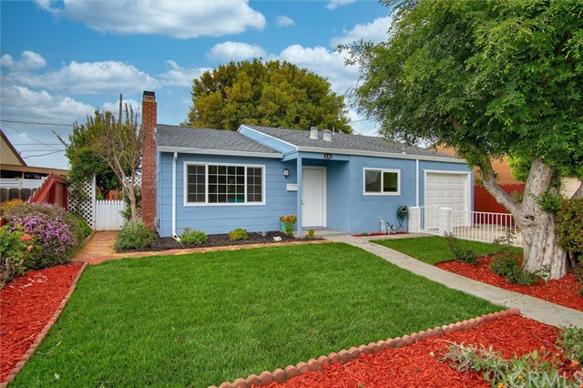 Detail Gallery Image 1 of 1 For 230 Santa Ana Rd, Hollister, CA 95023 - 3 Beds | 1 Baths