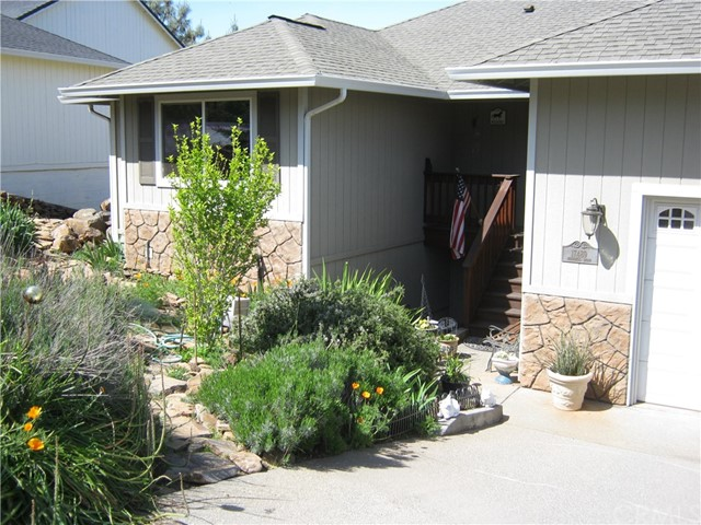 Single Family Home for Sale at 17489 Deer Hill Hidden Valley Lake, California 95467 United States