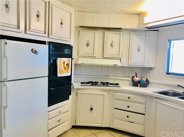 1441 S Paso Real Avenue, Rowland Heights CA: http://media.crmls.org/medias/bc6730f2-4856-447b-b657-1a109fe9444b.jpg