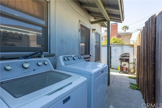 3707 Cerritos Avenue, Long Beach CA: http://media.crmls.org/medias/bc712d45-8782-4439-bf8c-f21227161ba5.jpg